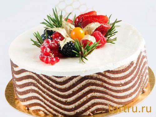 """Торт """"Йогуртовый с черной смородиной"""", Онтроме, кафе-кондитерская, Санкт-Петербург"""